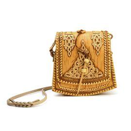 Берестяная сумочка. Застежка на палочке, фото