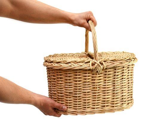 Корзина плетеная с крышкой для пикника средняя, фото , изображение 7