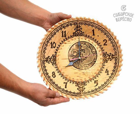 """Часы из бересты настенные большие """"Медведь на дереве"""", фото , изображение 3"""